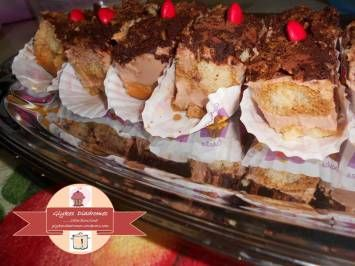 Small chocolate tiramisu pastries express / glykesdiadromes.wordpress.com