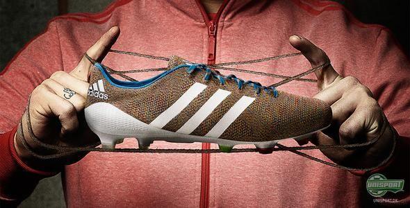 Verdens første strikkede fodboldstøvle - Adidas Samba Primeknit. MUST HAVE.