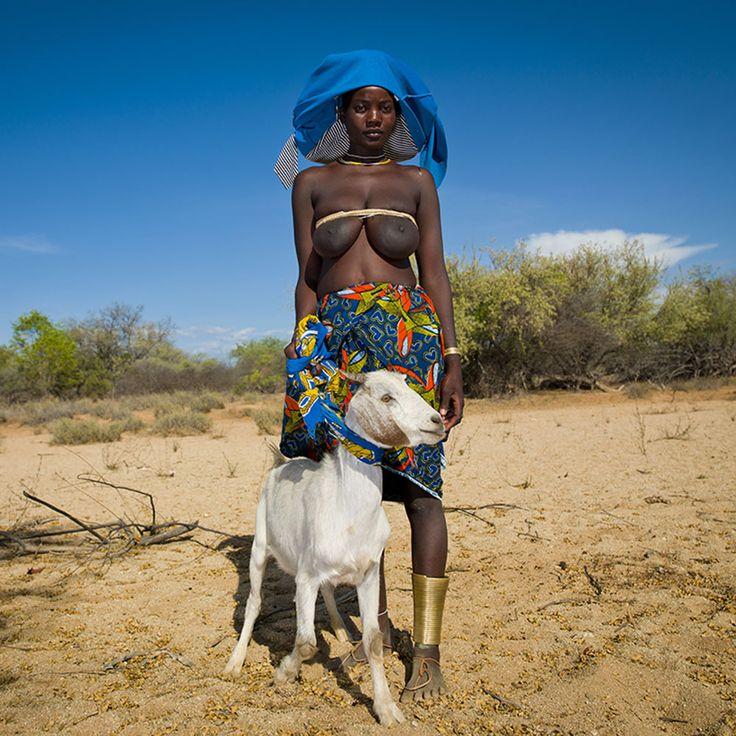 Animals and Humans amongst the Mucubal | Eric Lafforgue Photography - Angola