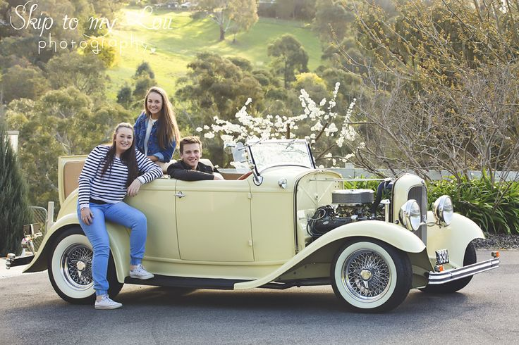 Family in hot rod - family photography  - Melbourne - photographer