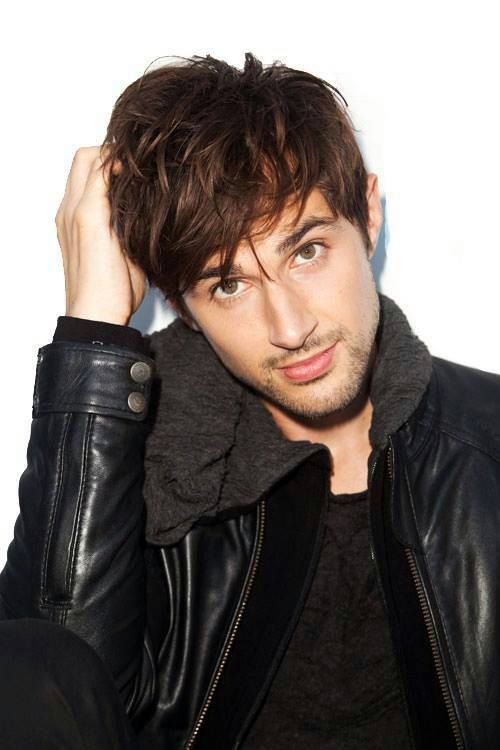 Andrew J West...a total asshole on The Walking Dead but damn is he attractive and got a love an actor that can make you Hate the character