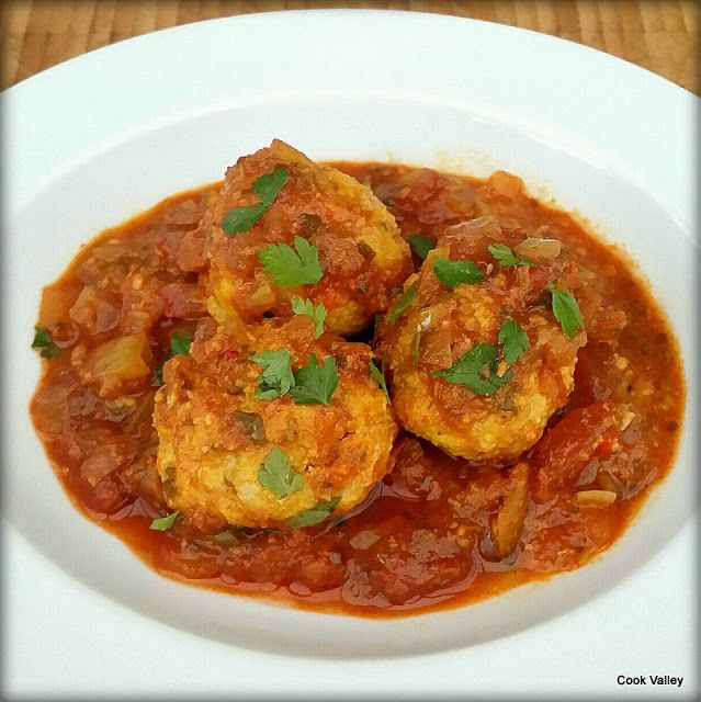 cookvalley - tanker om mad: Burmesiske fiskeboller i spicy sauce - Nga Soke Lone Hin https://cookvalley.blogspot.dk/2016/11/burmesiske-fiskeboller-i-spicy-sauce.html
