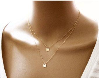 Deux minuscules initiales layered Necklace / par CoCoWagnerJewelry