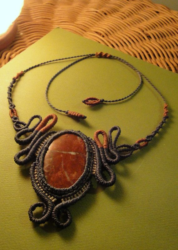 Macrame necklace with natural stone of by LaRandagiaArte on Etsy