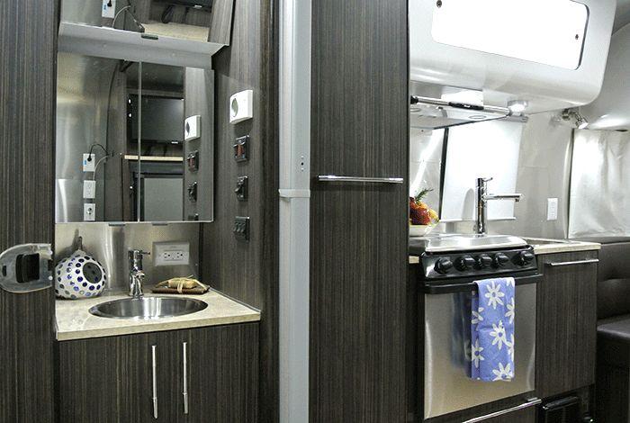 Elite RV Vacations- Airstream Rental 19' International Signature