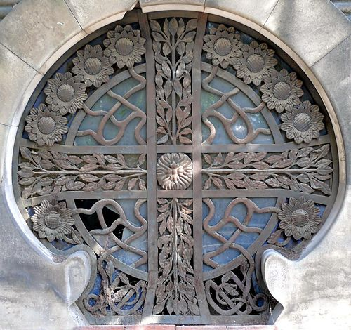 barcelona - Cementiri de Montjuïc: Barcelona Doors, Art Nouveau, Doors Window, Cementiri De, Barcelona Window, Montjuïc, Beautiful Lace, Barcelona Spain, Circular Doors