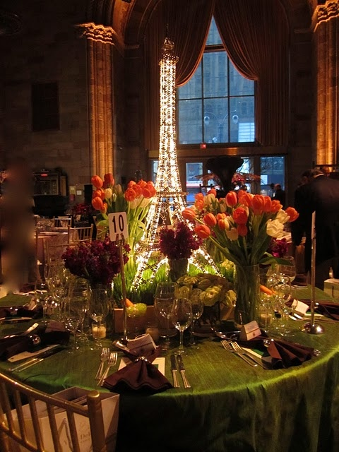 How gorgeous is this tablescape?