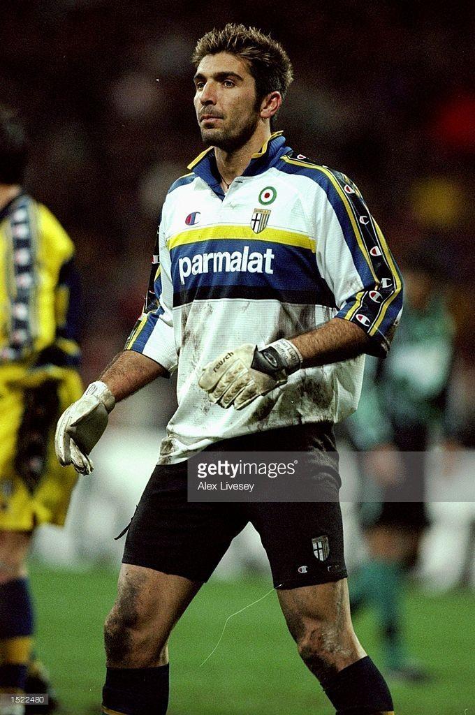 Foto di attualità : Gianluigi Buffon of Parma during the UEFA Cup...   Parma, Football, Football photos