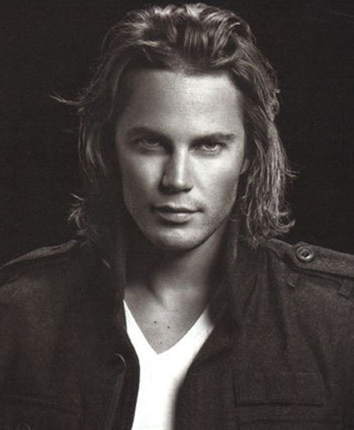 Cassian [young Taylor Kitsch is actually 1000% how I picture him]