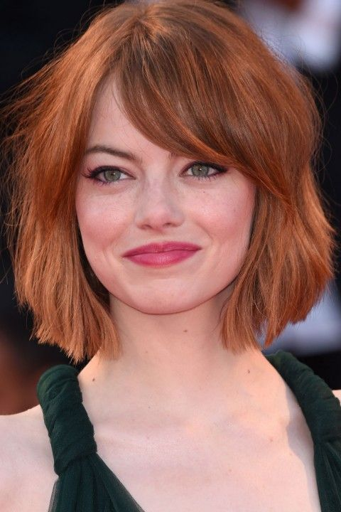Hairstyles For Round Faces We love a bob, and we love Emma Stone's modern version of this classic cut. The fringe sits delicately above her eyes creating a super-sultry look, while the freshly chopped layers accentuate her jawline.