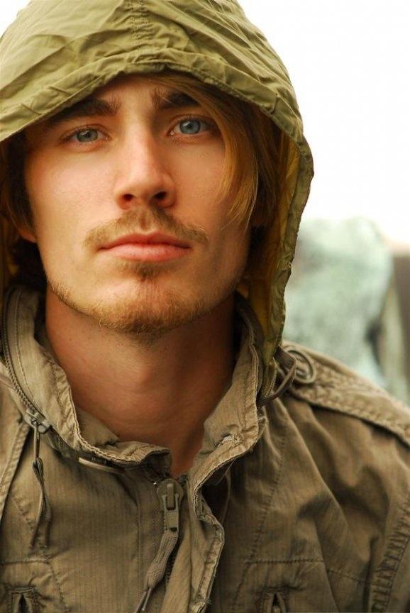 Jake Thomas. AKA Matt from Lizzie McGuire. he grew up pretty nicely