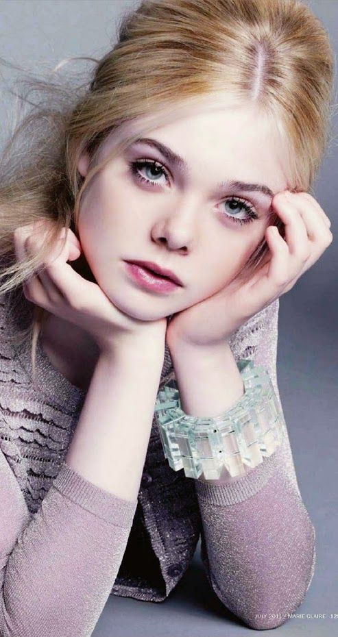 Elle Fanning Actress Mary Elle Fanning is an American actress. She is the younger sister of actress Dakota Fanning and mainly known for her starring roles in Phoebe in Wonderland, Somewhere, and We Bought a Zoo. Wikipedia Born: April 9, 1998 (age 16), Conyers, Georgia, United States Height: 1.72 m Siblings: Dakota Fanning Parents: Steven Fanning, Heather Joy Arrington Awards: Young Hollywood Award for Actress of the Year