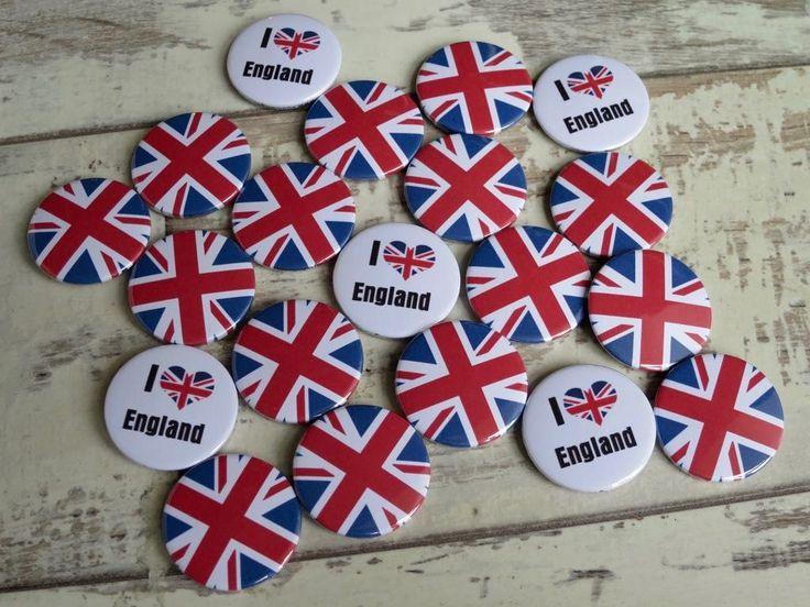 🇬🇧 Making a bunch of Union Jack badges today for a Dutch family visiting t… – Button badges