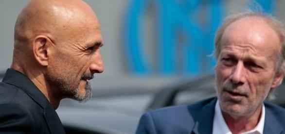 Sabatini rifiuta il Top Player che si era offerto all'Inter Arriva il clamoroso rifiuto del direttore dell'area tecnica dell'Inter, Walter Sabatini, al top player che si è offerto al club nerazzurro. Ecco tutti i motivi che hanno portato il massimo dirigente  #inter #sabatini