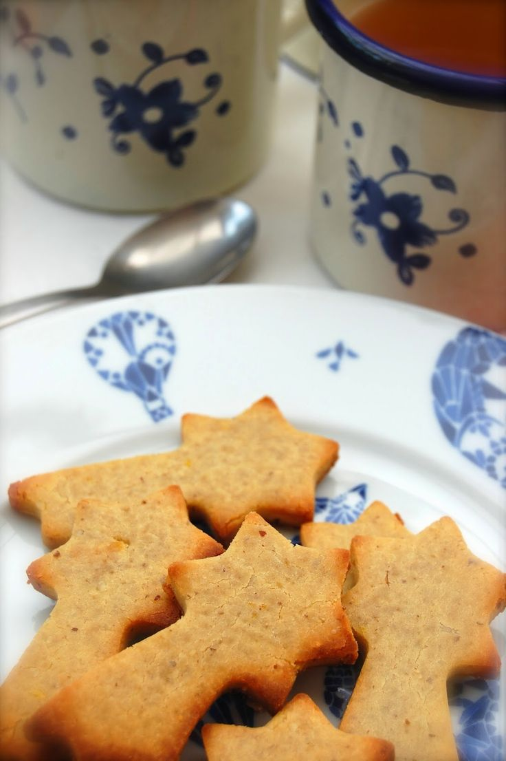 Delicious gluten, lactose and sugar free cookies with an orange twist! http://partsdeplaisir.blogspot.be/2014/07/gluten-lactose-and-sugar-free-cookies.html