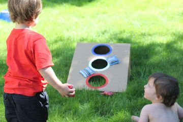 Repeat Crafter Me: Stars and Stripes Bean Bag Toss