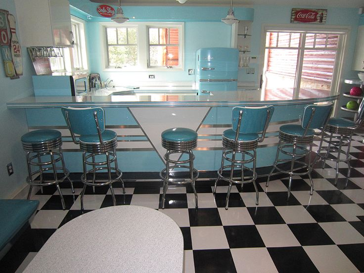 I Need One Of These Rooms In My House! Rick U0026 Terriu0027s Diner/Bowling · 50er  Jahre Stil KüchenRetro ...