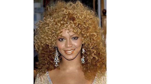 20 kändisfrisyrer vi aldrig vill se igen: Beyonce  http://nyheter24.se/modette/skonhet/776190-20-kandisfrisyrer-vi-aldrig-vill-se-igen  Horrible celeb hair