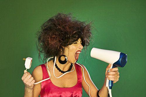 Μήπως χρειάζεσαι νέο πιστολάκι μαλλιών; - http://ipop.gr/themata/frontizw/mipos-chriazese-neo-pistolaki-mallion/