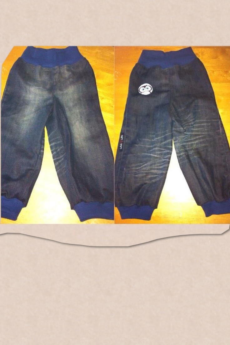 Jeans strl 92 gjorda från ett par gamla jeans. Jeans size 3T made from an pair of old pants