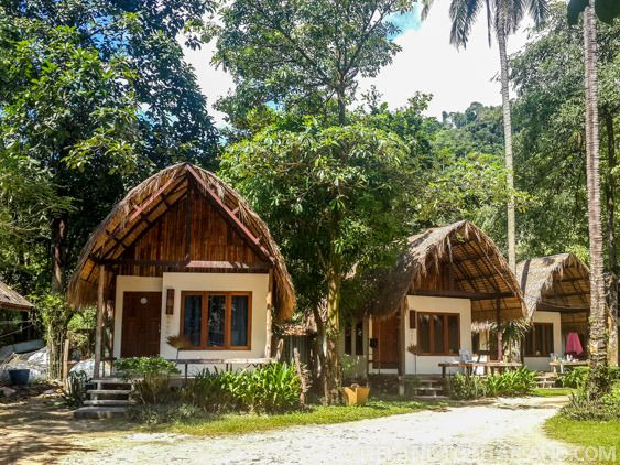 Nature Beach Resort bungalows a stone's throw from Lonely Beach. It doesn't get better than vacationing here on Thailand's island of Koh Chang | Tieland to Thailand
