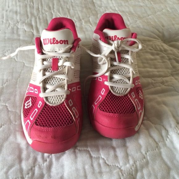 Wilson tennis shoes kids 4/women's 6. cute, comfortable, great condition. not worn too much. willing to negotiate and bundle wilson Shoes Athletic Shoes