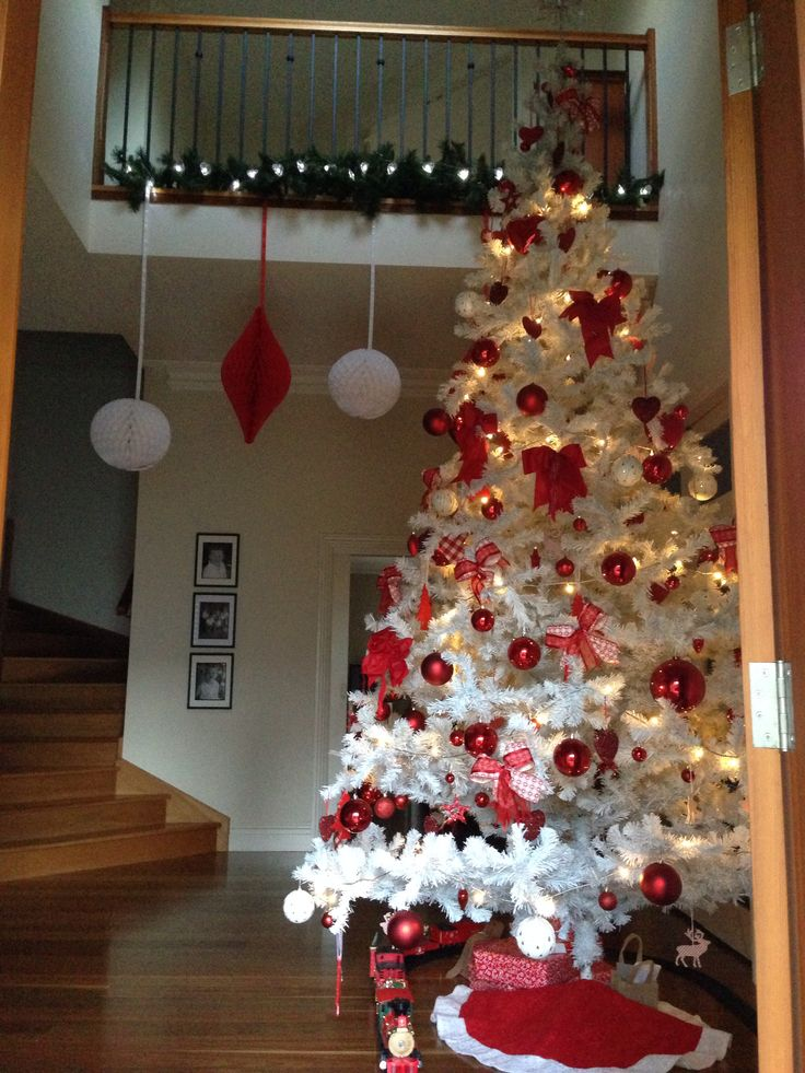 How To String Lights On Artificial Christmas Tree : 1000+ images about Stand Out With A 12 Foot Artificial Christmas Tree on Pinterest Star string ...