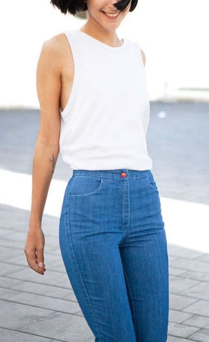 Hip-hugging, high-waited jeans for showing off those curves.