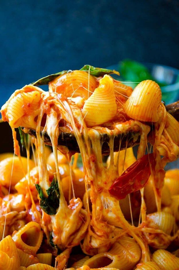 Pasta caprese cremosa   25 Formas gloriosas de comer más queso fundido