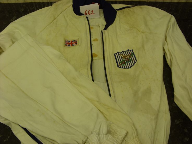 Lot 662 - 1968 West bromwich Albion, a full tracksuit, as worn by the players at the FA Cup Final against