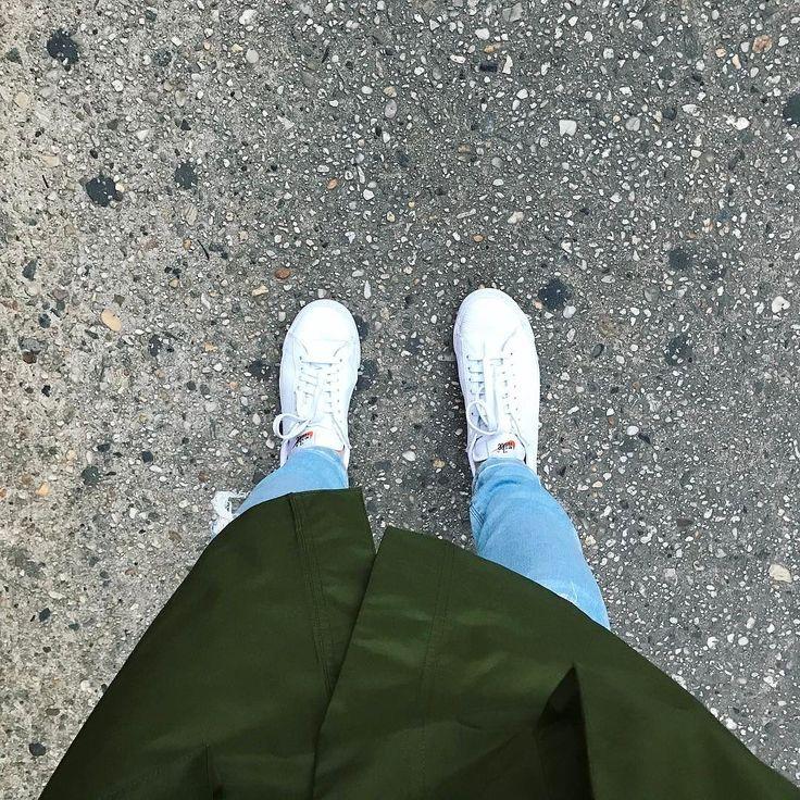 Чапаю после басека домой  почему-то после тренировки всегда хочется идти медленно рассматривать что вокруг происходит просто наслаждаться звуками города #lizaonair #newyork #ньюйорк #фитнесс
