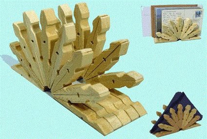 Servilleteros o portacartas con pinzas de ropa... mas detalles: http://www.manualidadesblog.com/categoria/reciclaje/page/2/