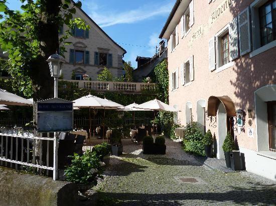 Hotel Gutwinski, Feldkirch:  40 Bewertungen, 54 authentische Reisefotos und günstige Angebote für Hotel Gutwinski. Bei TripAdvisor auf Platz 2 von 6 Hotels in Feldkirch mit 4,5/5 von Reisenden bewertet.