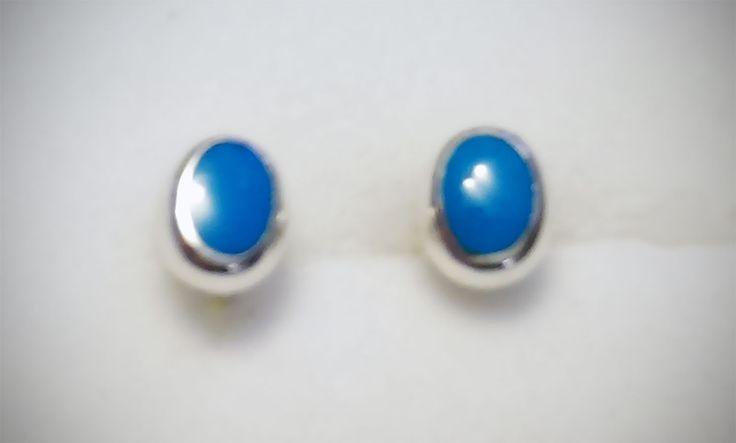 Par de Aretes de Plata .925  Ovalados con resina azul 7mm de largo