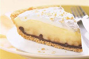 Black Bottom Banana Cream Pie...oh yes! Cookie crust, chocolate, bananas, creamy filling and Cool Whip topping