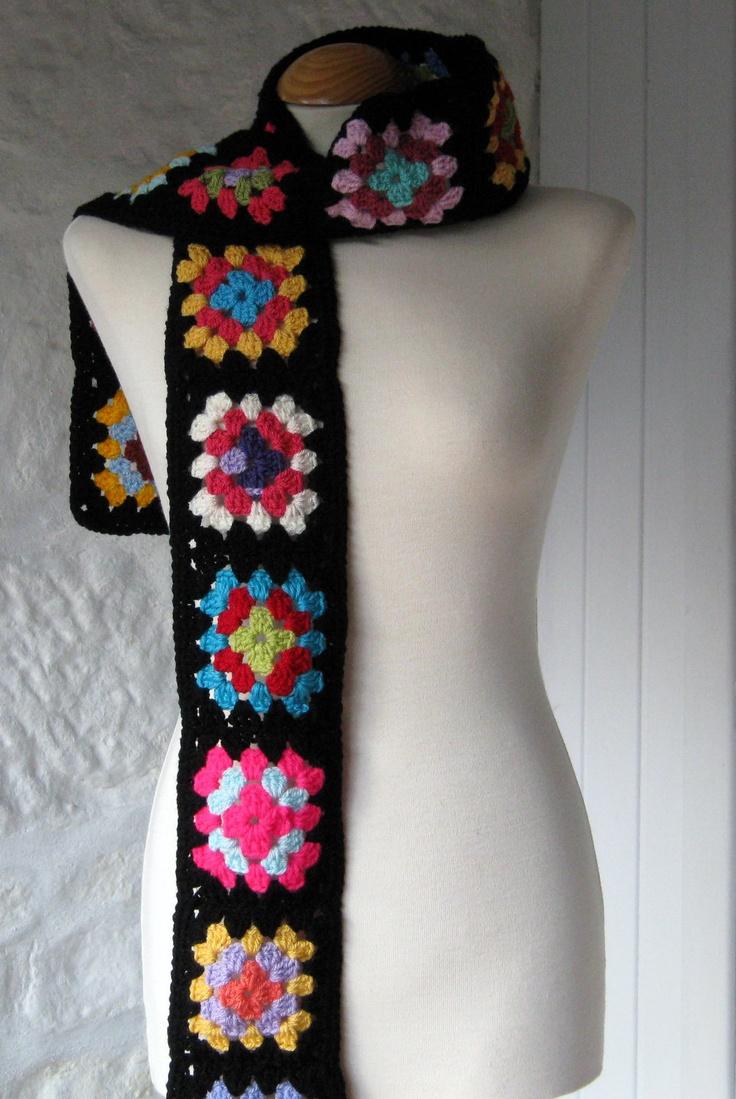 granny square scarf. i wanna make one!!