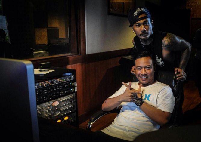 Video: Behind The Scene Pembuatan Lagu Jerinx SID dan Heruwa Shaggydog
