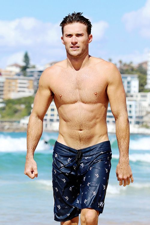 Scott Eastwood. GOD JUST LOOK AT HIS ABBS!!!