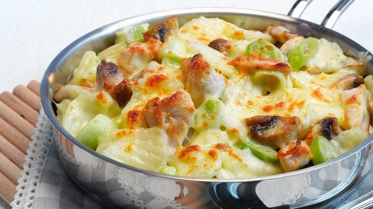Gratinerte poteter med kylling og sopp - Middag - Oppskrifter - Toro