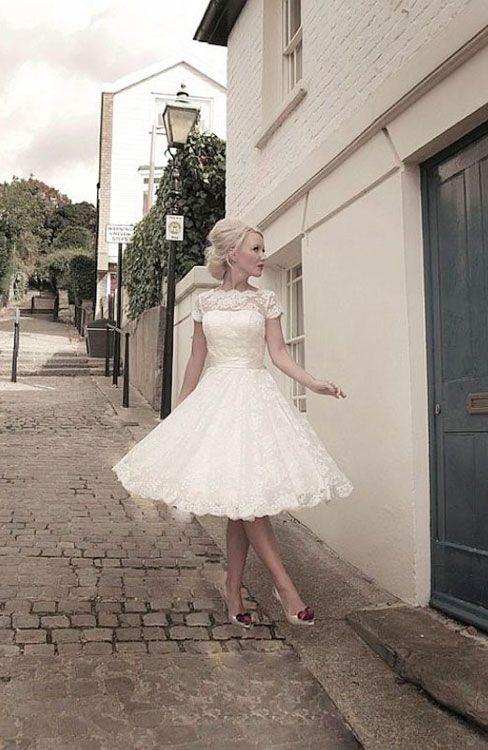 Underbar 50-tals brudklänning i spets