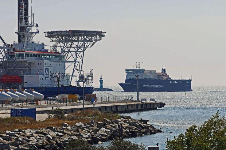 Energia wyspy na Bałtyku: Bornholm wykorzystuje energię z biomasy, wiatru i słońca -  W 2025 roku niewielki, słoneczny Bornholm będzie wyspą neutralną pod względem emisji CO2. Co ważne, cel ten zostanie osiągnięty bez dodatkowych turbin wiatrowych na lądzie, których budowa stała się niemożliwa ze względów środowiskowych. Działający na Bornholmie Zakład Produkcji i Dystrybucji... https://ceo.com.pl/energia-wyspy-baltyku-bornholm-wykorzystuje-energie-