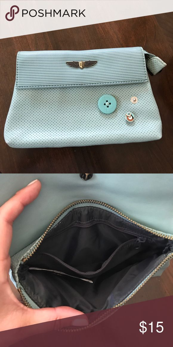 Burton Clutch Burton clutch bag. Light blue, inside zipper pocket. Great condition Burton Bags Clutches & Wristlets