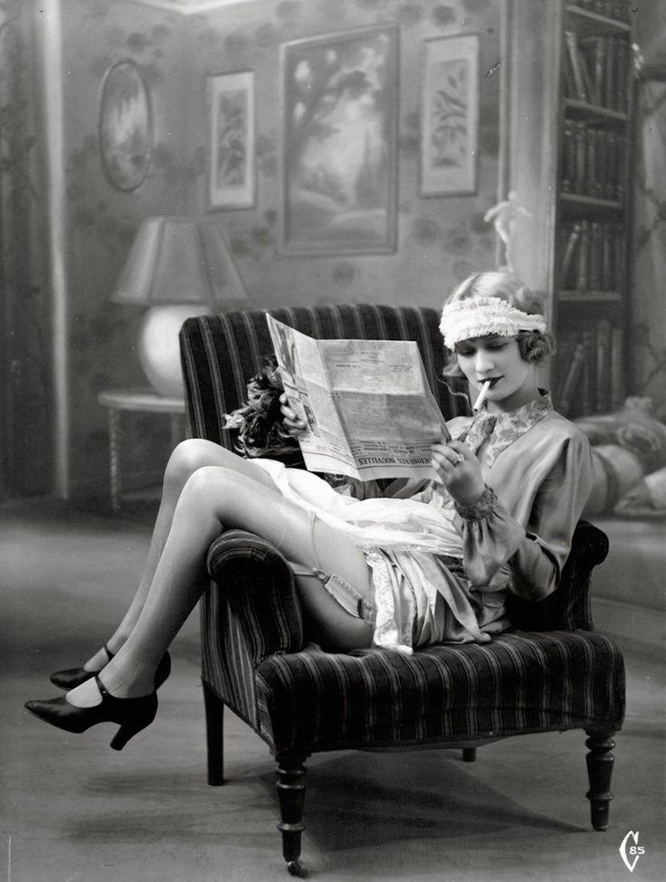 Rauchen Flapper in den 1920er Jahren