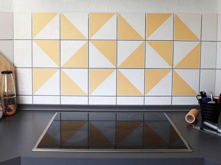 Kostenlose Anleitung: Fliesen mit Masking-Tape verschönern / free diy tutorial: use masking tape to pimp your kitchen walls via DaWanda.com