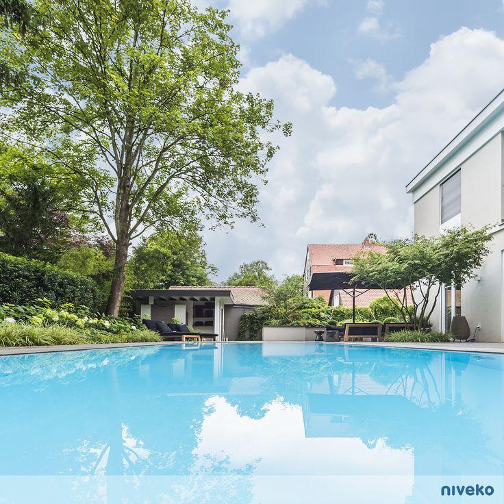 Infinite view… #lifestyle #design #health #summer #relaxation #architecture #pooldesign #gardendesign #pool #swimmingpool #pools #swimmingpools #niveko #nivekopools #nivekoplus