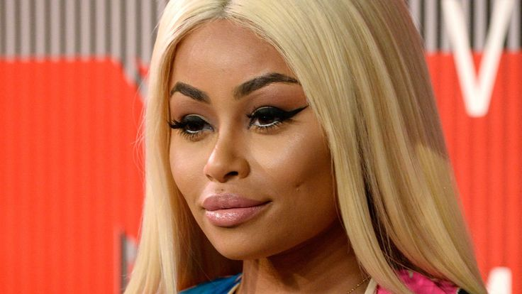 Blac Chyna Says Her Goal Is to 'Gain 100 Pounds This Pregnancy,' Reveals Current Weight - http://thisissnews.com/blac-chyna-says-her-goal-is-to-gain-100-pounds-this-pregnancy-reveals-current-weight/