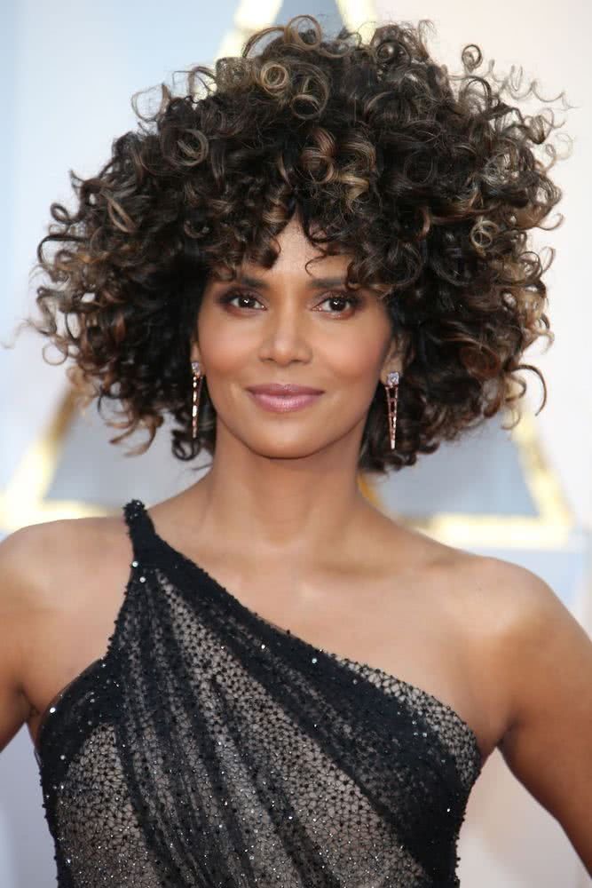 2019 Trending Natural Curly Hairstyles For Crazy Girl Curly Hair