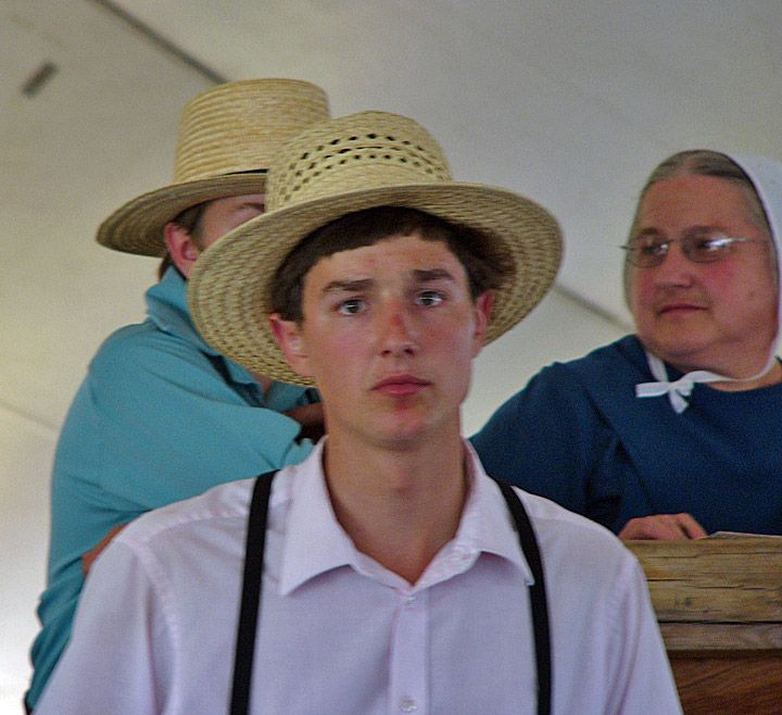 Amish Photos at the Quilt Action, Bonduel, Wisconsin Sept
