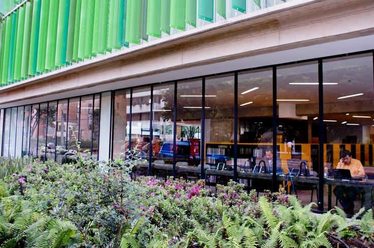 Universidad EAN, Biblioteca Hildebrando Perico Afanador. Bogotá, Colombia.
