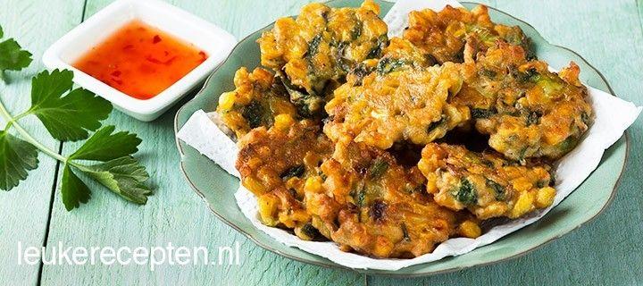 Een van mijn favoriete snacks: maiskoekjes op Indische wijze met selderij en kruiden